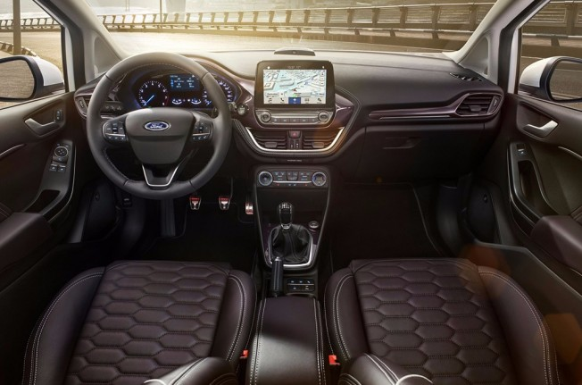 Ford Fiesta 2017 - interior