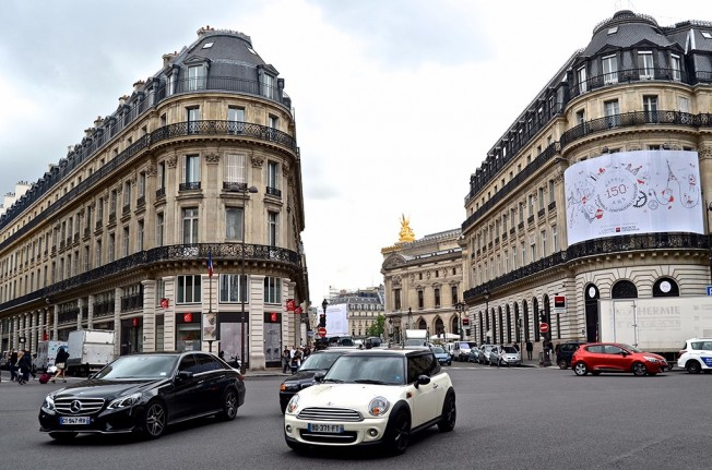 Tráfico en París - Francia
