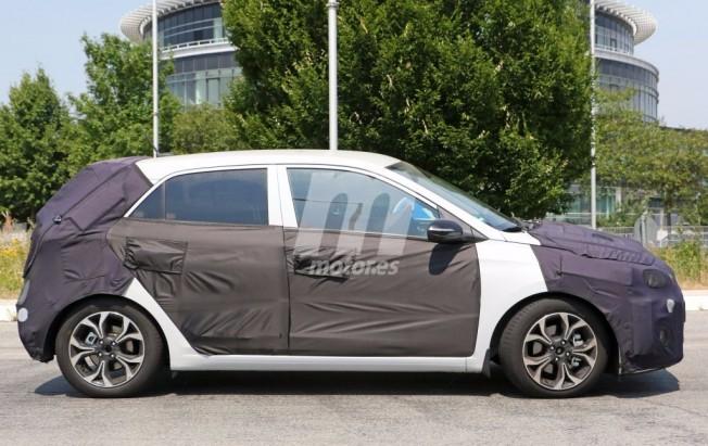 Hyundai i20 2018 - foto espía lateral