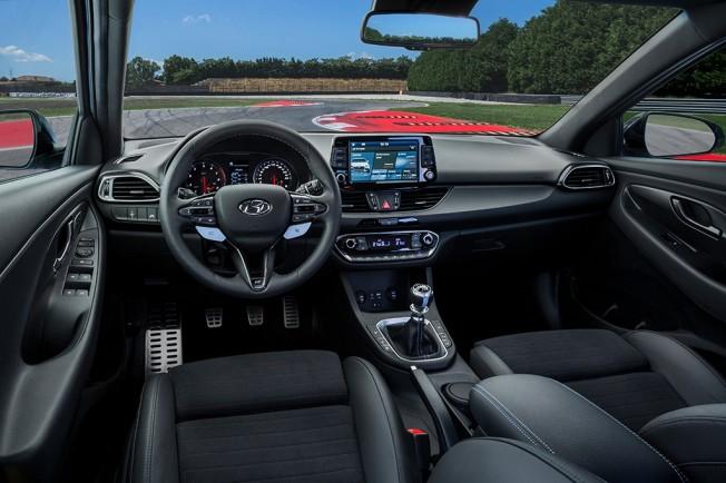 Hyundai i30 N 2018 - interior