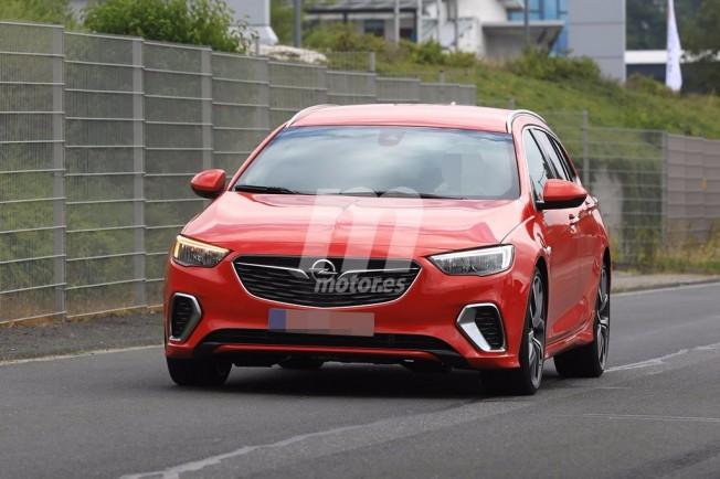Opel Insignia Sports Tourer GSi 2018 - foto espía