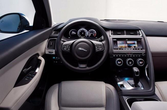 Jaguar E-Pace - interior