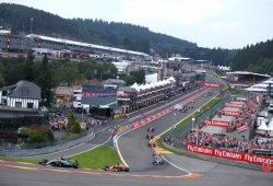"""Vettel: """"Estaba demasiado cerca de Hamilton, levantó un poco en Eau Rouge"""""""
