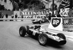 BRM y Lotus dan una lección a Europa con Graham Hill y Jim Clark