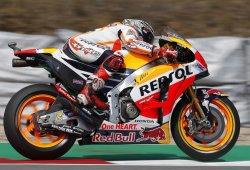 Márquez supera a Rossi para conseguir la pole en Brno