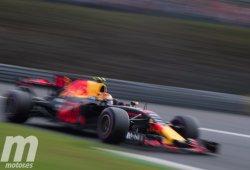 Verstappen y Ricciardo rezan a la lluvia para tener posibilidades en carrera