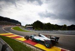 Un Hamilton de récord logra su 68ª pole
