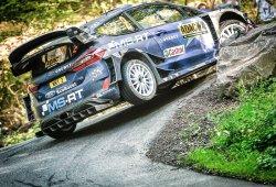 Ott Tänak se doctora en el asfalto del Rally de Alemania