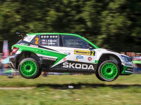 Skoda sigue su racha de éxitos en el Barum Rally Zlín