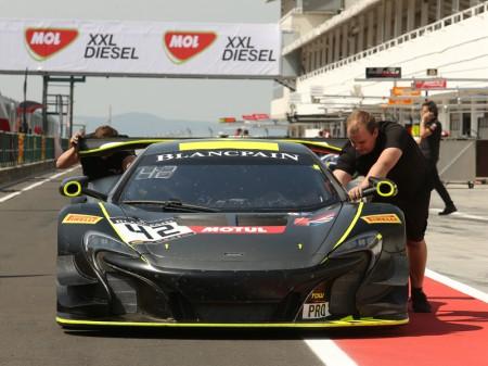 Strakka sólo tendrá tres McLaren 650S GT3 en Hungría