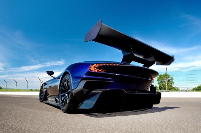 Aston Martin Vulcan - posterior