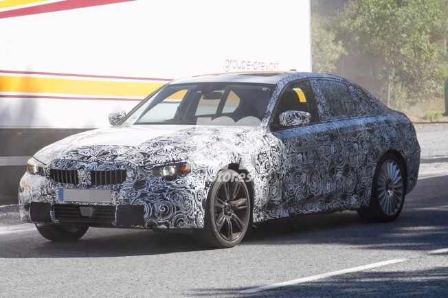 BMW 325e iPerformance 2019 - foto espía