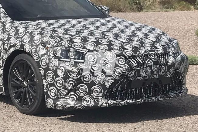 Lexus ES 2019 - foto espía frontal