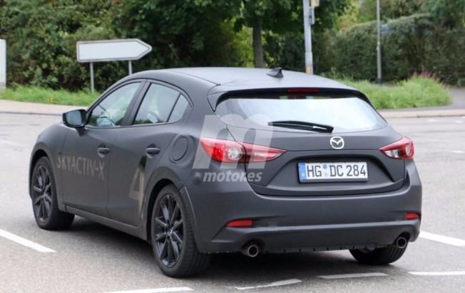 Mazda3 2019 - foto espía posterior
