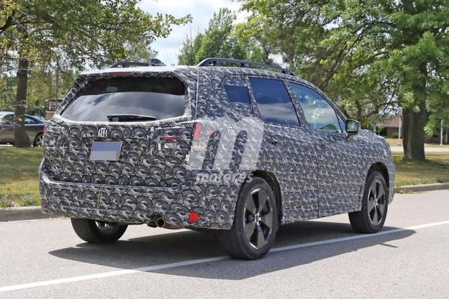 Subaru Forester 2019 - foto espía posterior