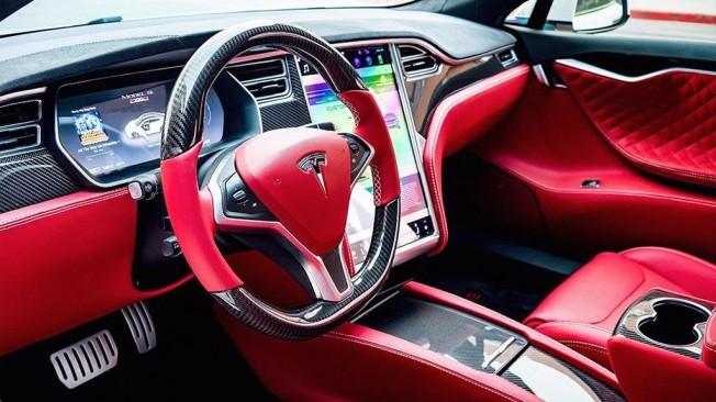 T Sportline interior Tesla