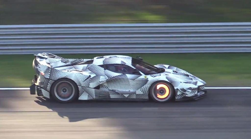 Ferrari FXX K Evoluzione: cazada en Monza la evolución de la bestia de más de 1.000 CV