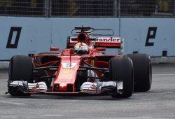 Vettel destaca en la noche de Marina Bay y consigue una pole brillante