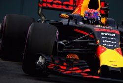 Verstappen lidera unos accidentados terceros libres