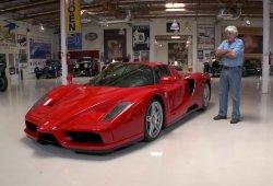 Jay Leno prueba el Ferrari Enzo con percance incluido