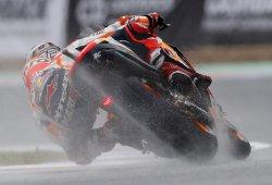 Marc Márquez gana sobre el asfalto mojado de Misano