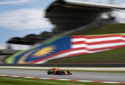Red Bull monopoliza la segunda fila de parrilla en Sepang