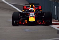 Red Bull reitera su dominio con récord del circuito para Ricciardo