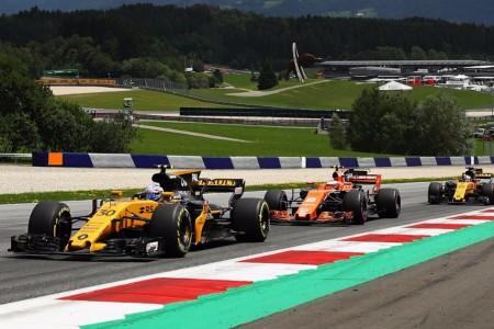 """Boullier afirma que Renault y McLaren serán """"legal y contractualmente iguales"""""""