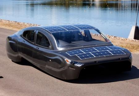 ¿Un Mustang de 4 puertas movido por energía solar?