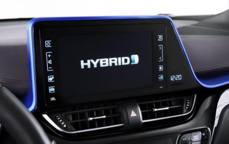 Toyota seguirá apostando por los híbridos, ¿pero es la estrategia correcta?