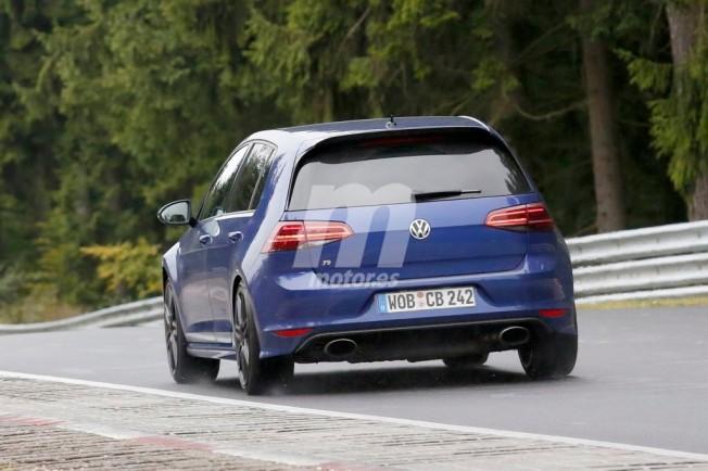 Volkswagen Golf R400 - foto espía posterior