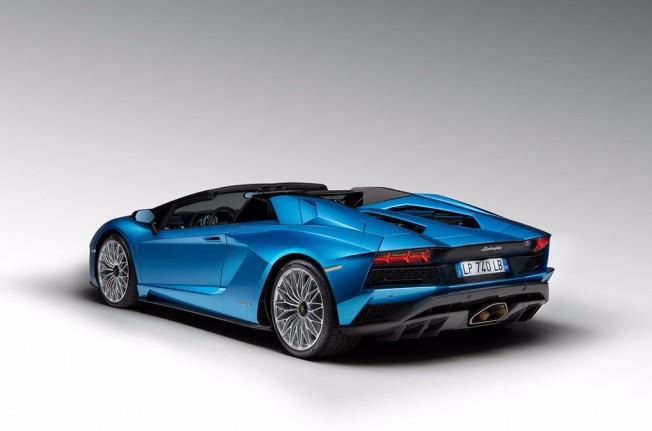 Lamborghini Aventador S Roadster 2018 - posterior