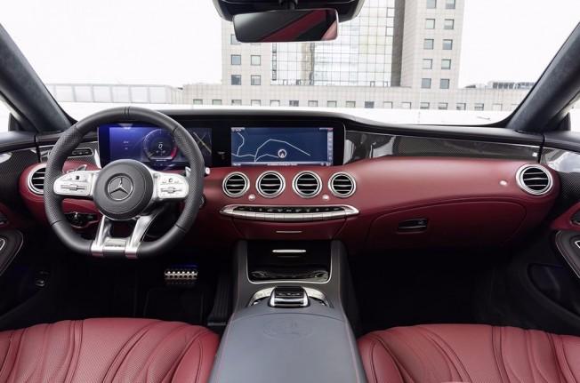 Mercedes-AMG S 63 4MATIC+ Cabrio 2018 - interior
