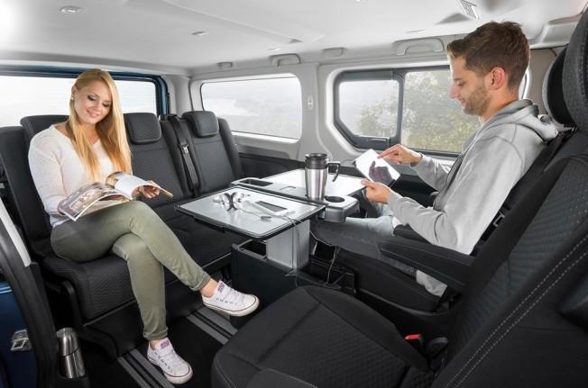 Opel Vivaro Life - interior