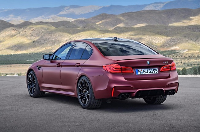 BMW M5 First Edition - posterior