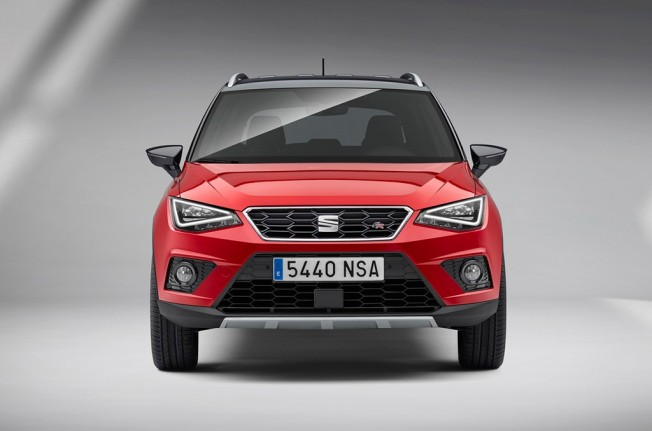SEAT Arona FR - frontal