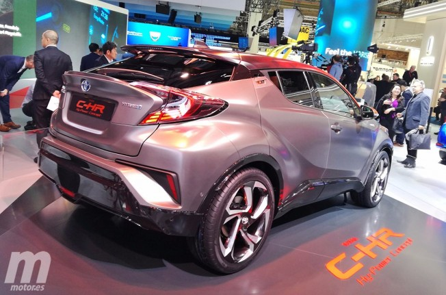 Toyota C-HR Hy-Power Concept - posterior