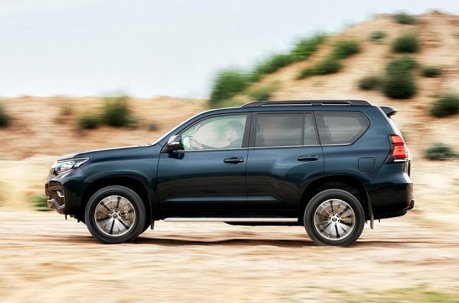 Toyota Land Cruiser 2018 - posterior