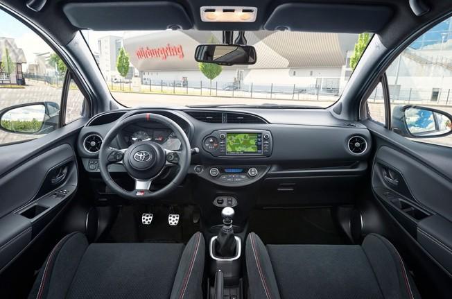 Toyota Yaris GRMN 2018 - interior