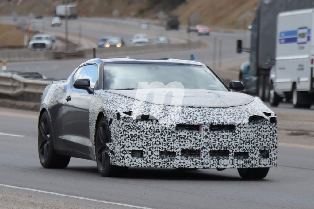 El Chevrolet Camaro 2019 en detalle en nuevas fotos espía