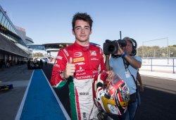 Charles Leclerc, a por el título desde la pole; buen 11º de Álex Palou