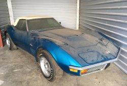 Se compra un Corvette y por no asegurarlo lo guarda en su garaje 45 años