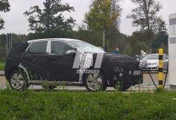 Fotografiado el Hyundai Kona EV mientras carga sus baterías