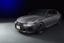 Lexus F celebra su décimo aniversario en Tokio con un GS y RC muy especial