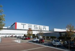 Magna podría fabricar modelos Tesla en Europa