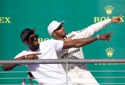 """Hamilton roza el título: """"Me sorprendió que Vettel no se defendiera más"""""""