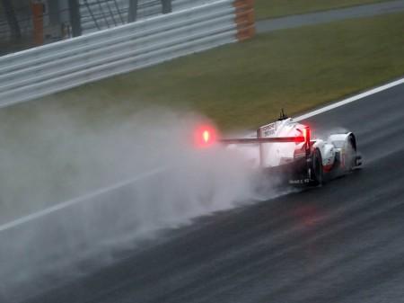 Bamber y Hartley reclaman la pole para Porsche en Fuji