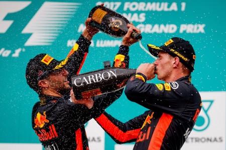 Horner sugiere que habrían ganado igualmente con los dos Ferrari en parrilla