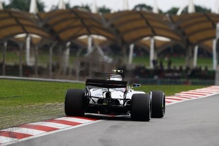 """Stroll culpa a Vettel: """"Vino por fuera, como si la carrera siguiese en marcha"""""""