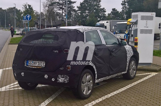 Hyundai Kona EV 2018 - foto espía posterior